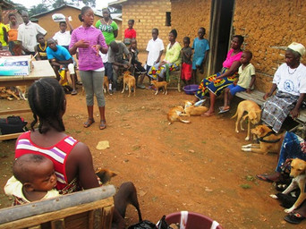 Aminata Humane Ed staff Oct clinic