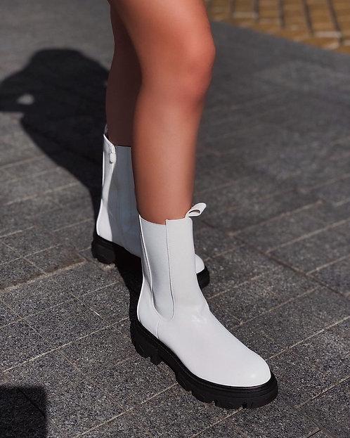 Белые высокие ботинки челси на платформе Италия фото