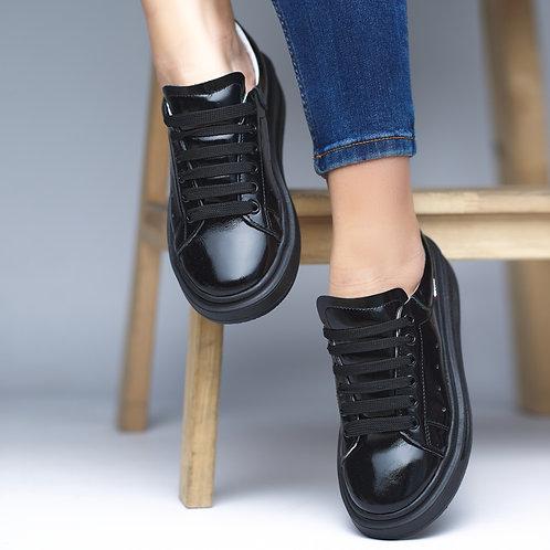 Натуральные черные лаковые кожаные кеды на платформе фото