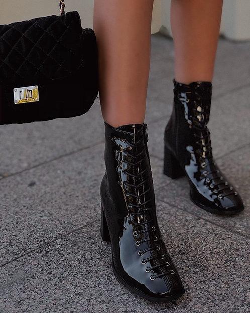 Черные лаковые ботильоны на каблуках со шнуровкой Италия фото