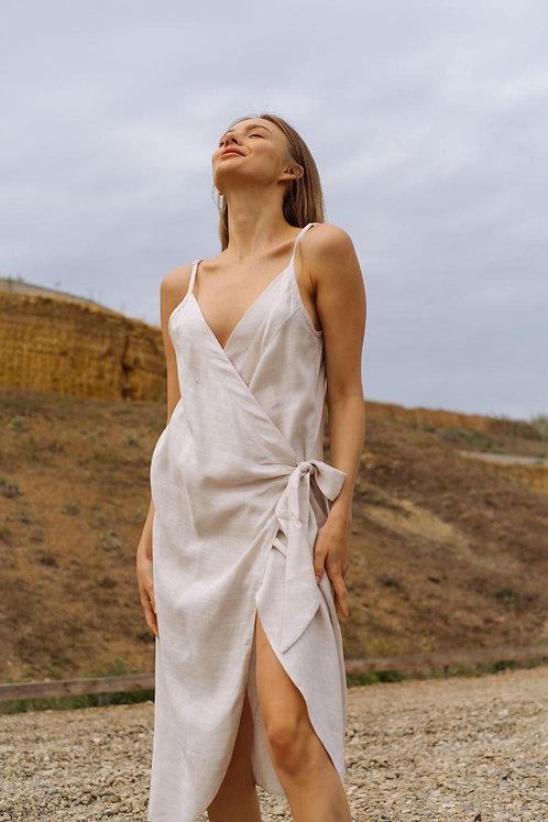 Молочное платье на тонких бретелях с завязкой хлопок со льном фото