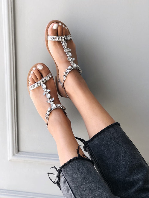 Сандалии с камнями на низких каблуках Италия фото
