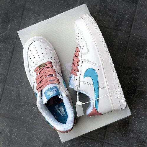 Белые кроссовки Nike Air Force 1 Pink\Blue фото