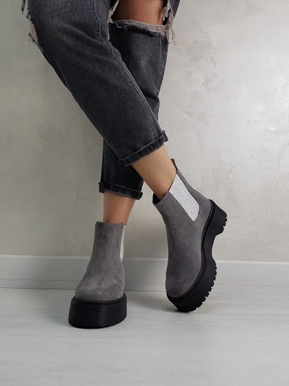 Серые натуральные ботинки челси на платформе фото