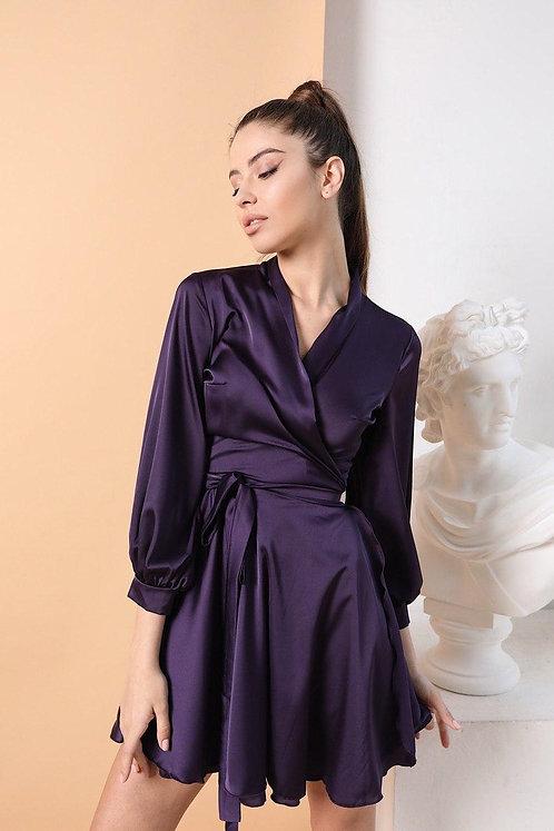 Фиолетовое короткое шелковое платье на запах фото