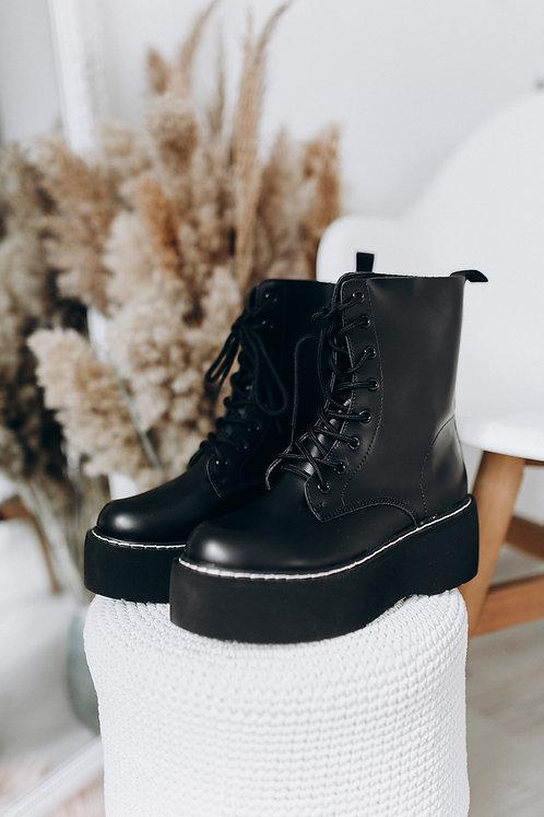 Черные ботинки со шнуровкой на платформе Италия фото