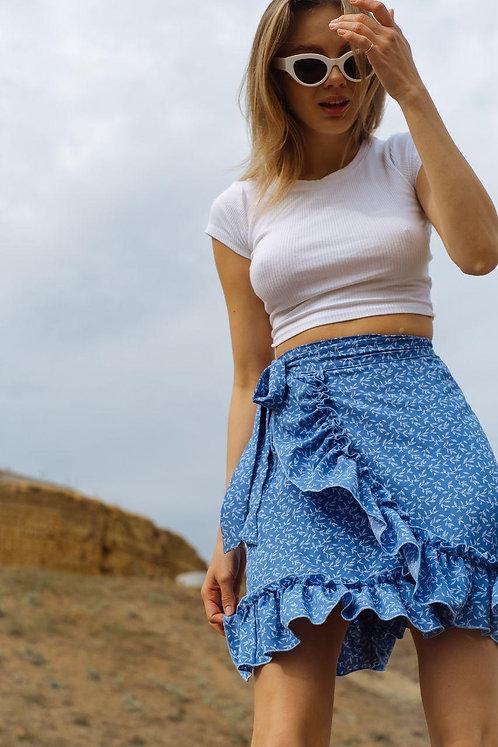 Синяя мини юбка на запах с принтом фото
