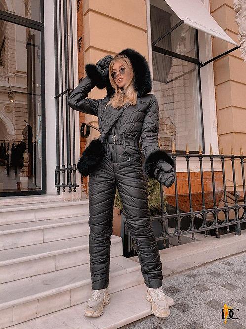 Черный лыжный комплект: комбинезон, варежки и сумка фото