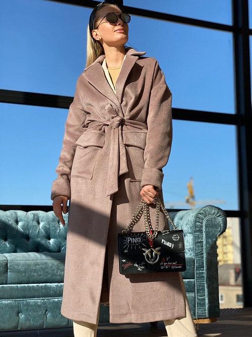 Лиловое длинное облегченное пальто из микроворса фото