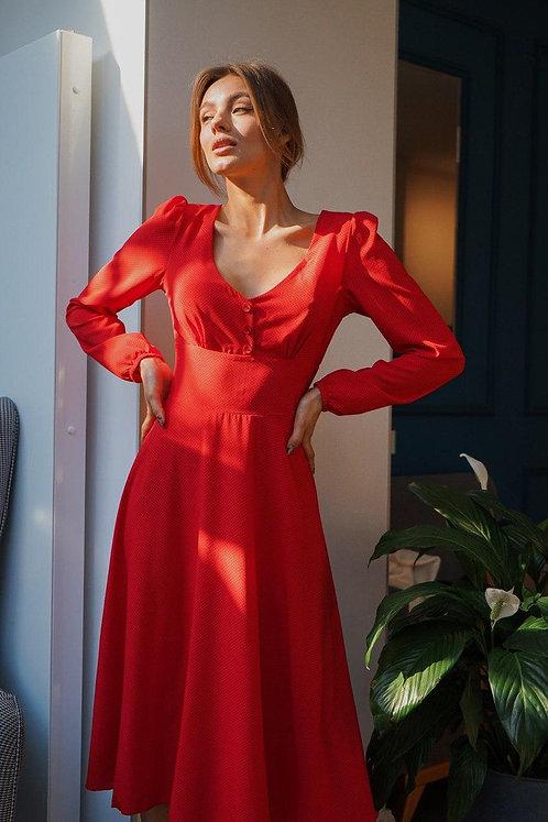 Красное платье миди в точку с длинным рукавом фото