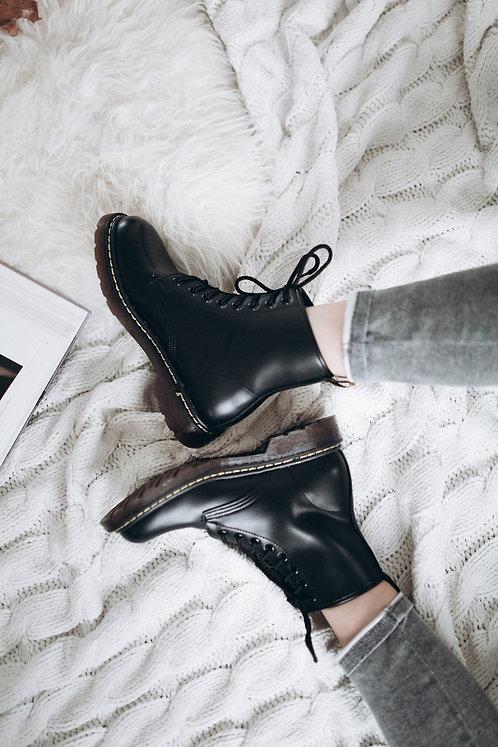 Черные ботинки Martins на шнурках с резиновой подошвой Италия фото