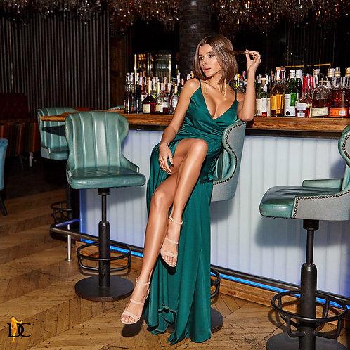 Изумрудное шелковое платье в пол фото