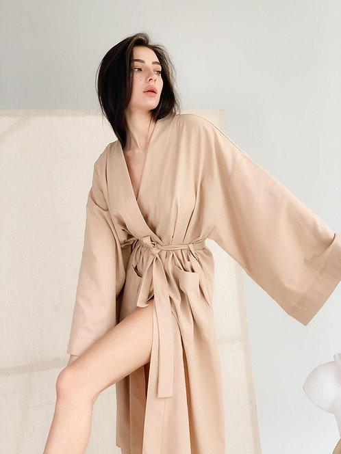 Бежевое длинное льняное платье кимоно фото