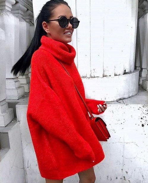 Красный свитер oversize с высоким горлом фото