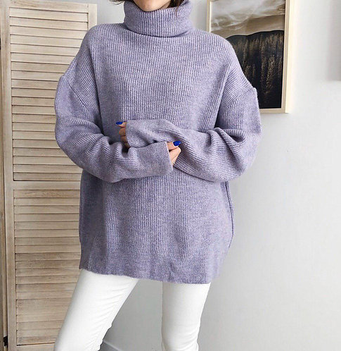 Сиреневый свитер oversize с высоким горлом фото