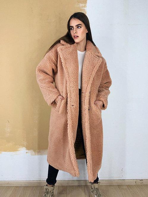 Утепленное розовое меховое пальто-шуба фото