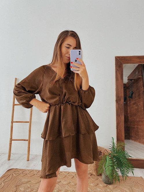 Атласное платье с оборками фото