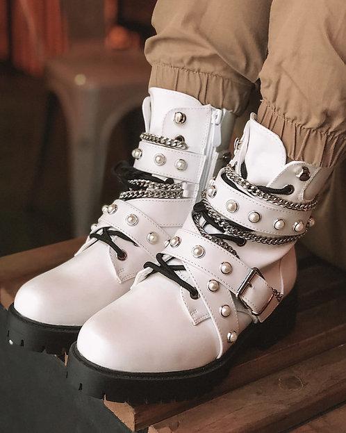 Белые ботинки с цепями и пряжками на шнурках Италия фото