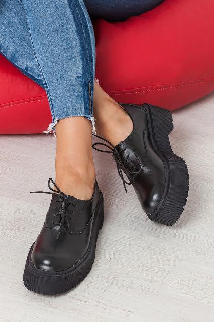 Натуральные кожаные черные туфли броги на платформе TM BONA