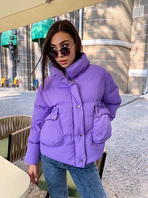 Короткая объемная демисезонная куртка фото