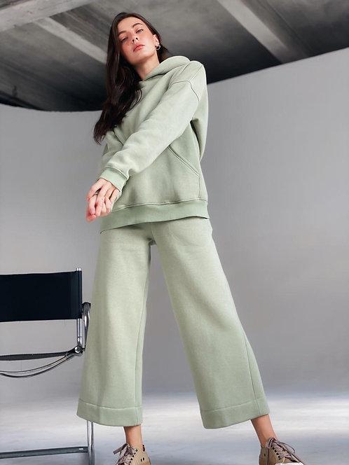 Фисташковый теплый спортивный костюм с брюками кюлот фото