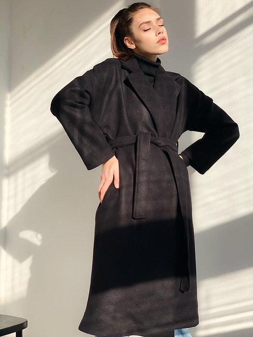 Черное кашемировое пальто миди с поясом фото
