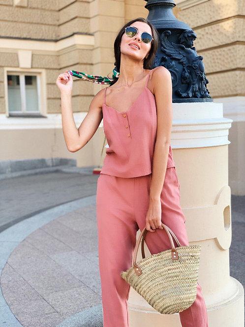 Розовый натуральный брючный костюм с топом фото