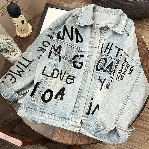 Джинсовая куртка с вышивкой граффити фото