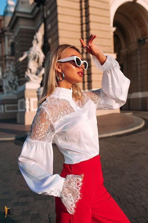 Белая шелковая блузка боди с кружевом фото