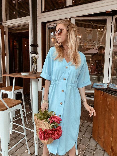 Голубое легкое платье миди свободного кроя на пуговицах