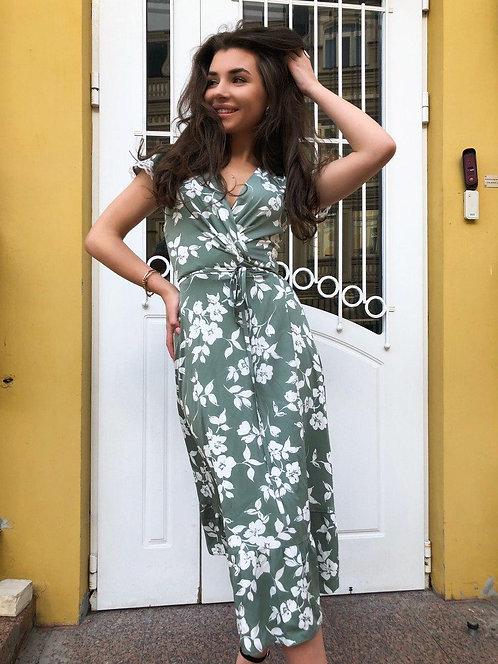 Фисташковое платье на запах с рукавами крылышками фото