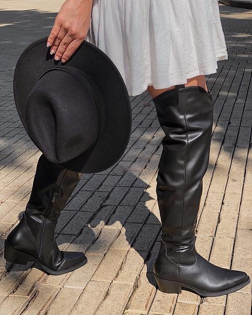 Черные кожаные ботфорты в ковбойском стиле Италия фото