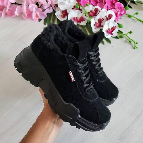 Черные натуральные замшевые женские кроссовки на платформе фото