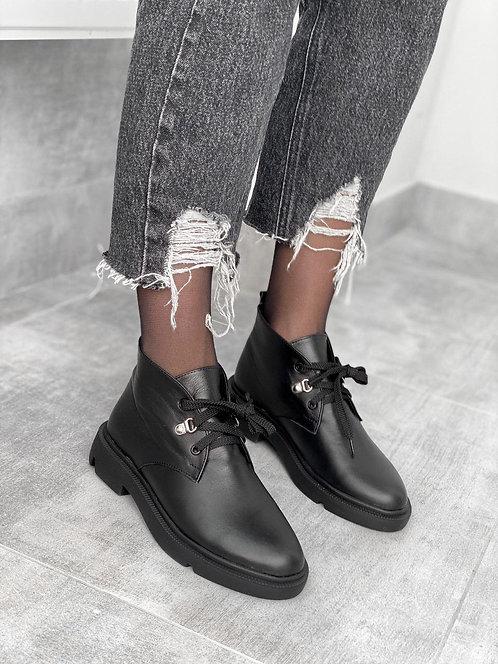 Черные низкие ботинки на шнуровке из натуральной кожи фото