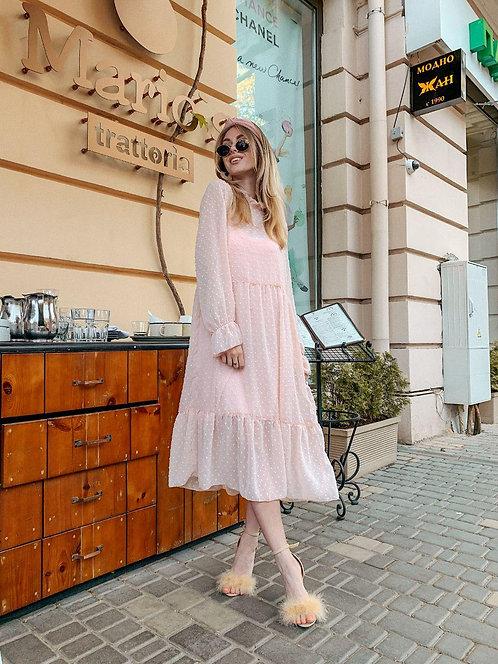 Пудровое шифоновое платье двойка миди в точку фото