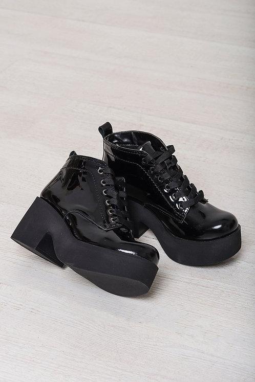 кожаные черные ботинки на платформе фото