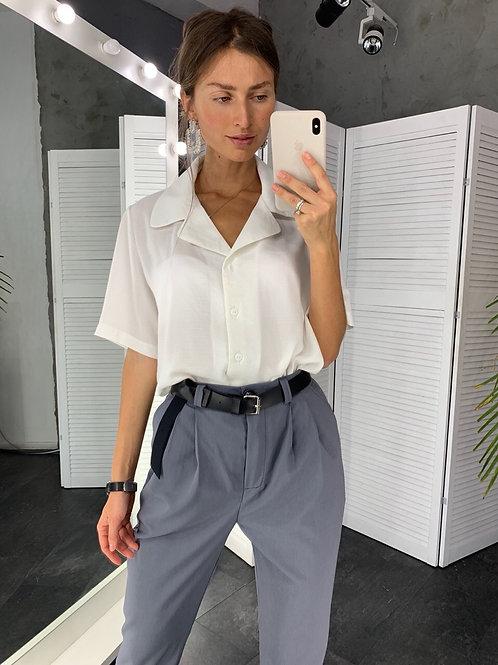 Белая блузка из креп-льна с коротким рукавом фото