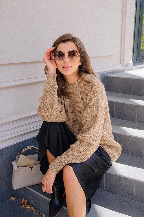 Бежевый удлиненный шерстяной свитер фото