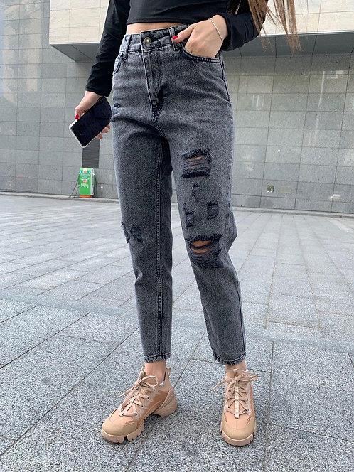 Серые джинсы mom высокой посадки с дырками фото