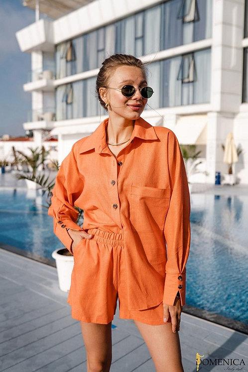 Оранжевый льняной костюм: рубашка и шорты фото