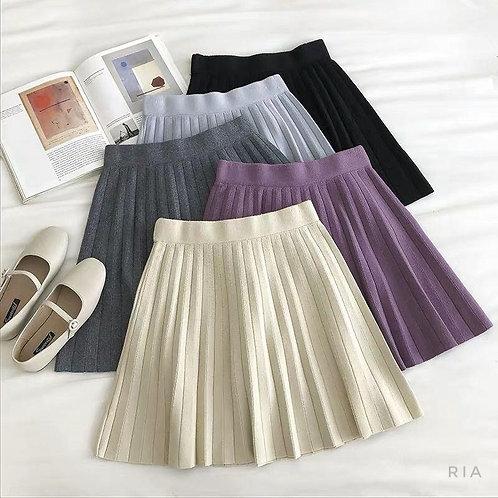 Трикотажная мини юбка в складку фото