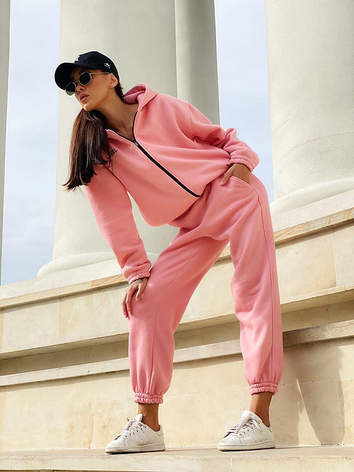 Розовый теплый спортивный костюм на молнии фото