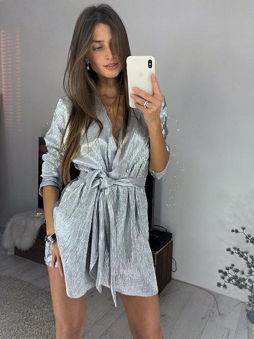Блестящее плиссированное платье на запах фото