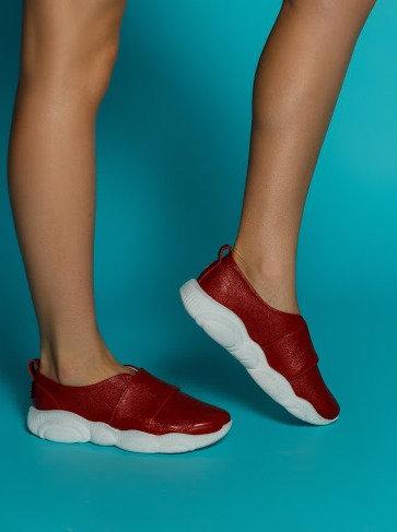Красные натуральные кожаные слипоны на модной подошве TM BONA