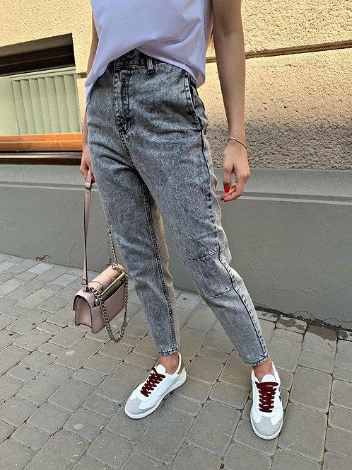 Светло-серые вареные джинсы mom фото