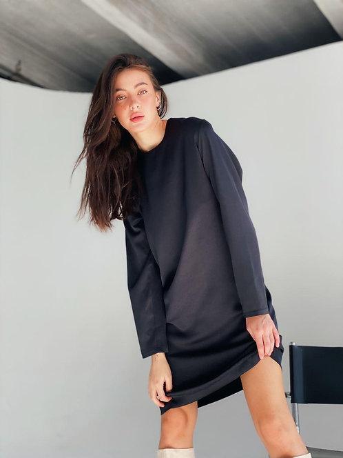 Черное прямое платье с длинными рукавами фото