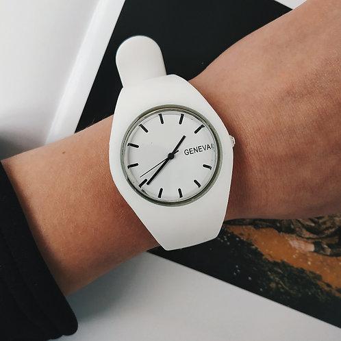 Силиконовые белые часы Geneva фото