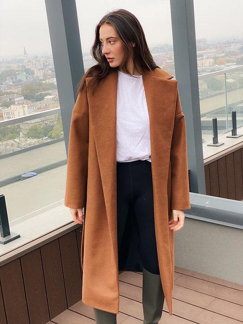 Коричневое кашемировое пальто с поясом фото