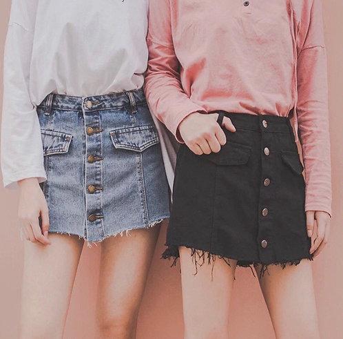 Стильная джинсовая юбка-шорты на пуговицах фото