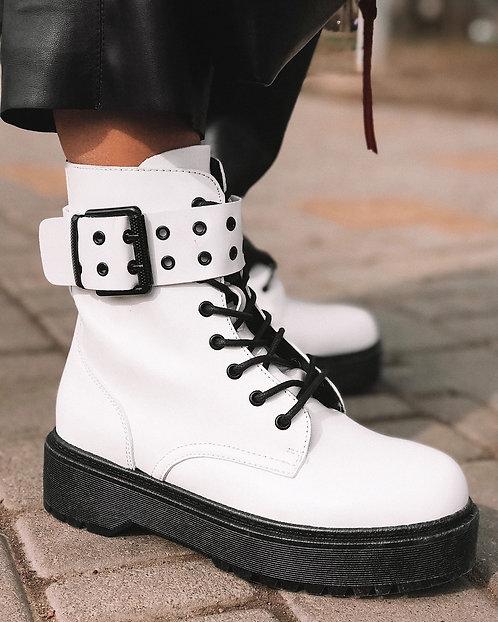 Белые ботинки на шнурках и платформе с пряжкой Италия фото